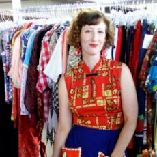 Amy of Viva La Vintage at the Chicago Vintage Clothing and Jewelry Show