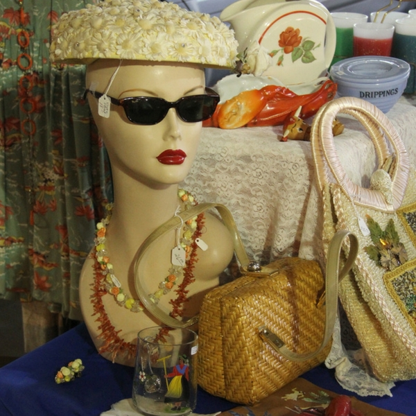 Pat O'Neal Vintage Clothing & Accessories will be appearing at the Chicago Vintage & Clothing February 24th & 25th