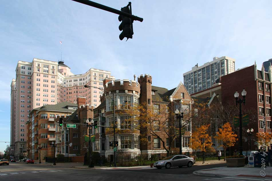 Chicago Bryn Mawr Historic district is the location of the Chicago Vintage Clothing and Jewelry Show