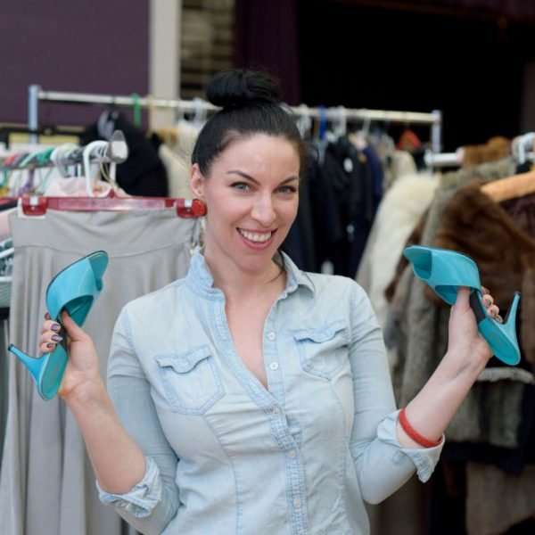 Chicago Vintage Clothing and Jewelry show, once a year in the north Chicago neighborhood of Edgewater. This once a year show features the best in vintage fashion, vintage shoes, accessories and more!