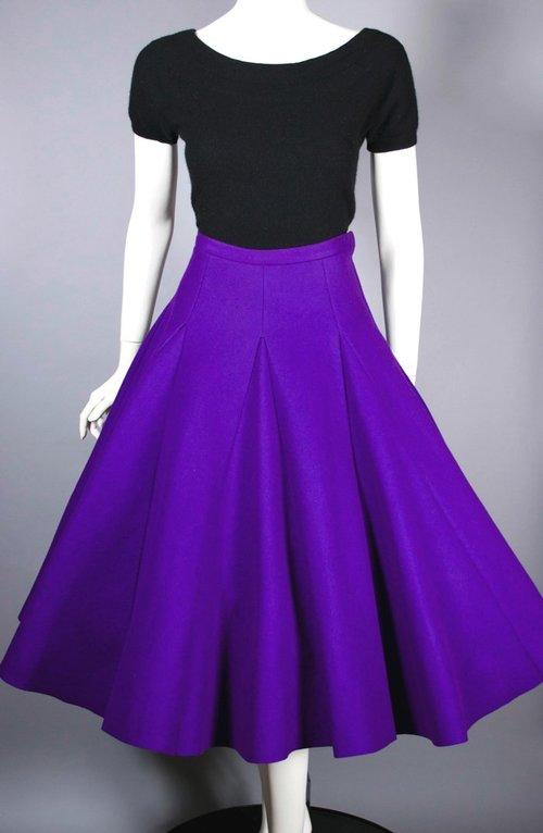 Vintage Dress From Viva Vintage Clothing at CVCJ Edgewater north side. Vintage Clothing, vintage jewelry