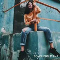 Vintage boyfriend jeans at the Chicago Vintage Clothing and Jewelry Show!